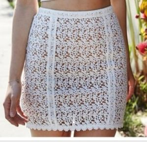 Kendall & Kylie Laced Overlay Mini Skirt Sz L